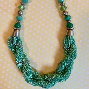 Jewelry - Mint green beaded necklace